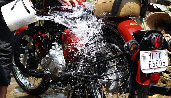 6 เคล็ดลับง่าย ๆ ล้างรถอย่างไร ทำให้รถดูใหม่อยู่ตลอด